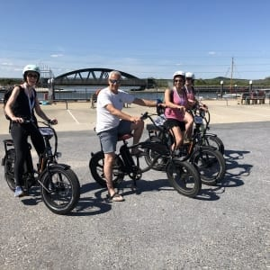 Group of renters on Shore Thing Ebikes